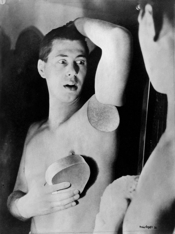 Herbert Bayer, Self-portrait, C: Bauhaus-Archiv Berlin / © VG Bild-Kunst, Bonn 2017